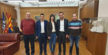El alcalde y el concejal de Promoción Lingüística se reúnen con El Tempir para seguir impulsando el uso del valenciano en el municipio