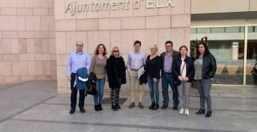 Regidors de Benissa visiten l'Ajuntament d'Elx per a prendre exemple del Portal de Transparència il·licità
