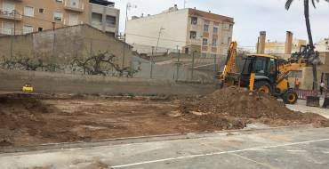 El Ayuntamiento da un paso más hacia la ampliación del colegio de Las Bayas