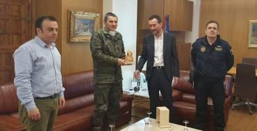 El alcalde reconoce el trabajo de la unidad del Mando de Operaciones Especiales en la ciudad