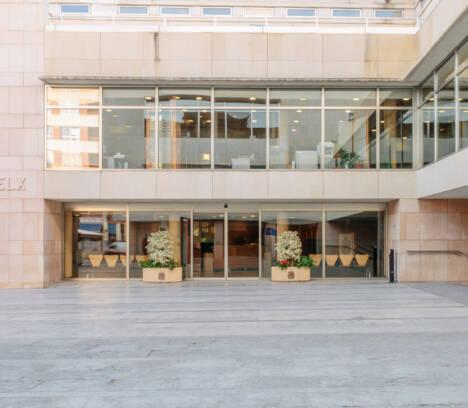 El Pleno pide a la Generalitat el refuerzo del Servicio de Mediación, Arbitraje y Conciliación (SMAC) y un plan de ayudas para los artistas locales