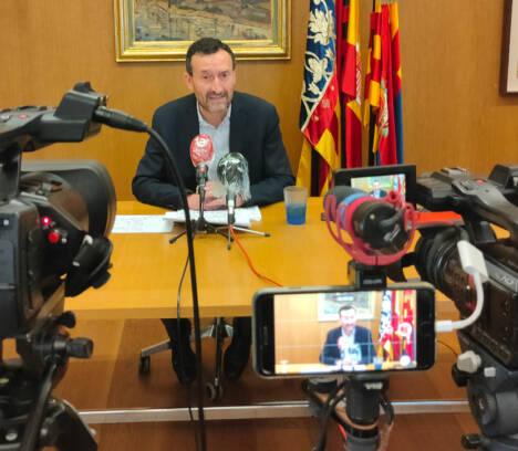 El alcalde anuncia nuevas ayudas para las familias más afectadas por la emergencia económica derivada de la crisis del coronavirus