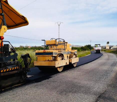 El Ayuntamiento retoma los trabajos de mantenimiento en asfaltado, aceras y señalización