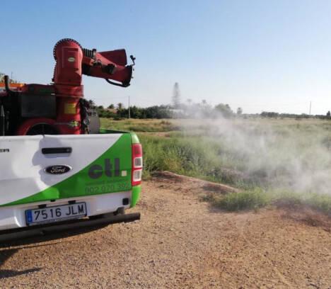 La concejalía de Sanidad continúa con las fumigaciones en barrios y pedanías para evitar la proliferación de mosquitos