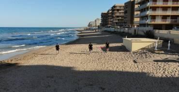 La noche de San Juan transcurre sin incidentes en las playas ilicitanas