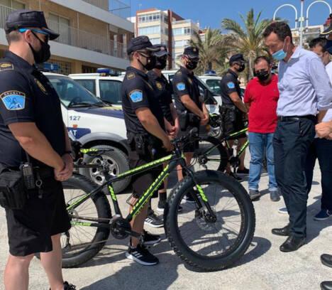 Un dispositivo de más de un centenar de personas velará por garantizar la seguridad de los usuarios en las playas de Elche