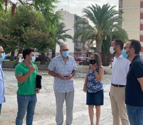 El Ayuntamiento destina este año 900.000 euros al mantenimiento y conservación de colegios de Elche