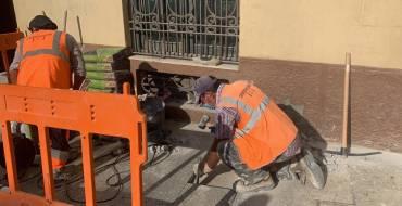 Comienzan los trabajos previos para la peatonalización de la Plaça de Baix y la Corredora