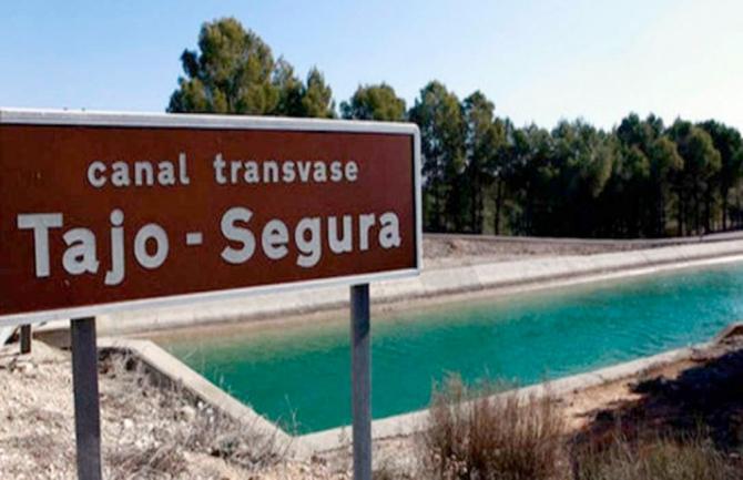 El alcalde defiende que se mantengan las actuales reglas de explotación del trasvase Tajo-Segura