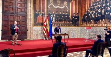 El alcalde firma el acuerdo de reconstrucción de la Comunidad Valenciana y reclama la participación en el fondo europeo con el fin de combatir la desigualdad y reactivar la economía