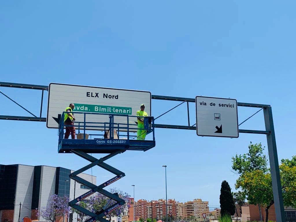 L'Ajuntament inverteix 30.000 euros en la major operació de renovació de senyalització vertical informativa dels últims 25 anys