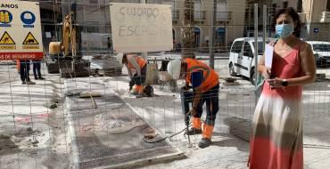 Comienza la retirada de los mosaicos del Misteri de la Plaça de Baix que se ubicarán en el entorno de la basílica de Santa María