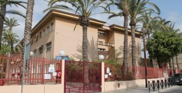 El Ayuntamiento incrementa en 600.000 euros el contrato para mejorar la limpieza en los colegios