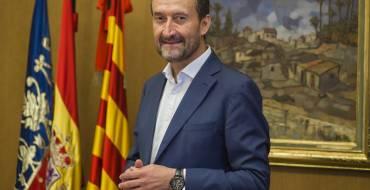 """El alcalde de Elche califica de """"debate artificioso de partidos que están fuera de la realidad"""" el pleno solicitado por el PP para defender la Monarquía"""