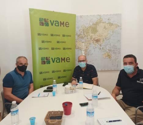 El Ajuntament d'Elx trabajará junto a VAME para poner en marcha una planta de compostaje de residuos vegetales