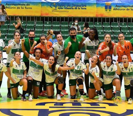 Carlos González felicita a las «Guerreras» por el subcampeonato de la Copa de la Reina de balonmano