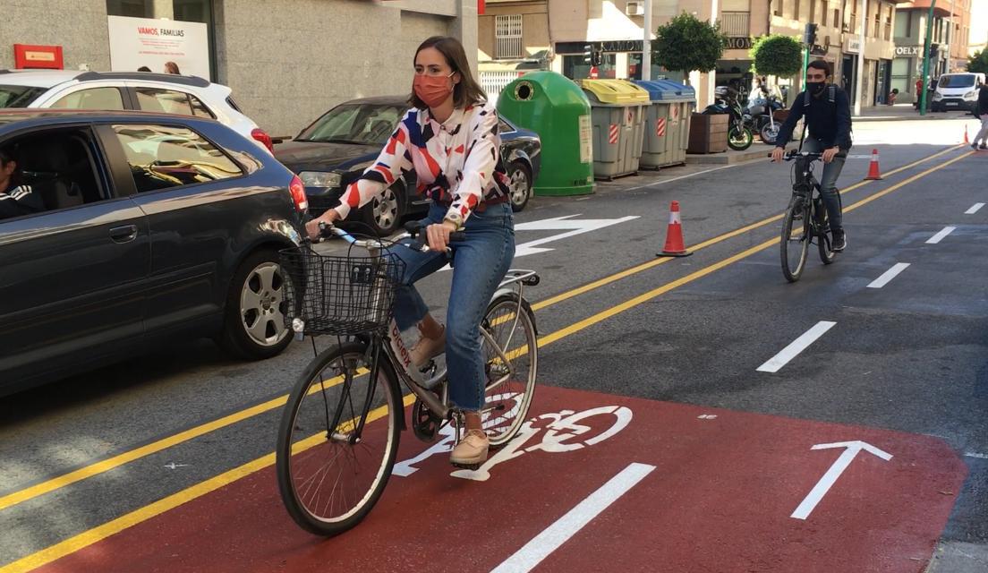 Elche ampliará en 5 kilómetros el carril bici con protección para los ciclistas y dos direcciones
