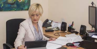 Mayores habilita un teléfono, un correo electrónico y asistencia presencial para facilitar la inscripción de las parejas en las Bodas de Oro