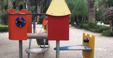 L'Ajuntament trau a concurs la renovació de tots els jocs infantils del Parc Municipal