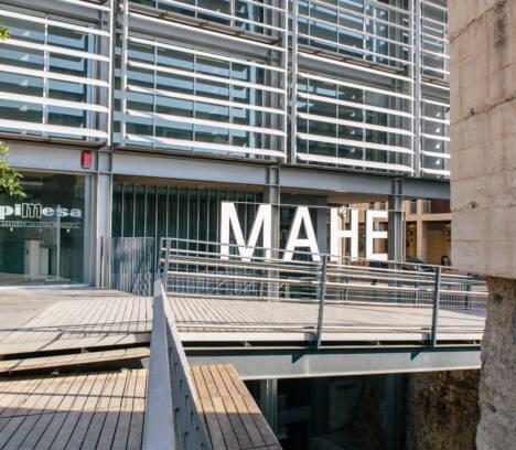 Diseñadores valencianos eligen el MAHE como escenario para visibilizar y promocionar la moda