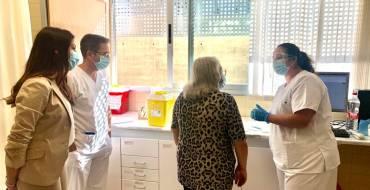 La concejala de Sanidad anima a vacunarse de la gripe a los grupos de riesgo para evitar confusión con los síntomas del covid