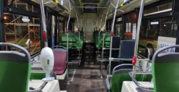 La flota de autobuses urbanos ya cuenta con dispensadores de hidrogel para aumentar las medidas de higiene