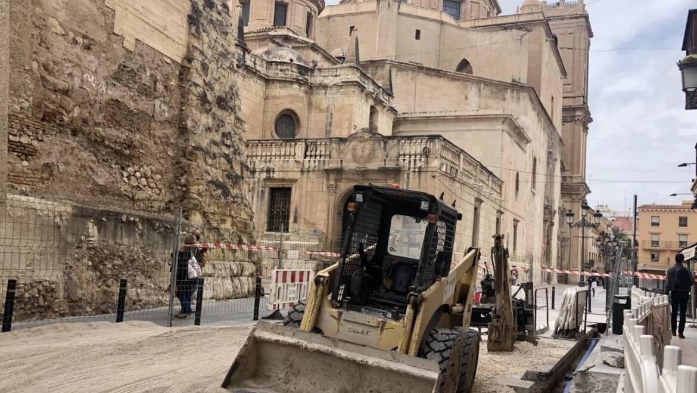 Aigües d'Elx recibe la autorización de la Conselleria de Cultura para continuar con las obras en la calle Uberna