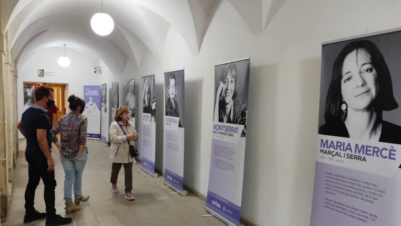 La Setmana de les Escriptores comença amb la inauguració d'una exposició en la Biblioteca Pere Ibarra