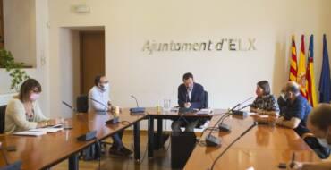 El equipo de Gobierno informa a los portavoces municipales sobre el proceso de adjudicación de la nueva contrata de limpieza