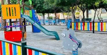 L'Ajuntament segueix amb el seu pla de modernització dels jocs infantils actuant a la plaça Mestre Cutillas de Torrellano