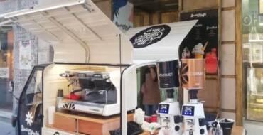 El Ayuntamiento autoriza a los hosteleros la instalación de carritos y mesas para la venta de sus productos en el exterior de los locales