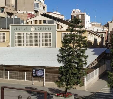 El Ayuntamiento da un paso decisivo hacia la resolución del contrato del Mercado Central