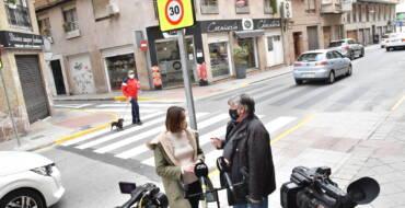 La Concejalía de Movilidad del Ayuntamiento de Elche mejora la seguridad vial en la calle Ángel