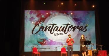 El cantante gaditano Fernando Macías gana el certamen de cantautores de Elche
