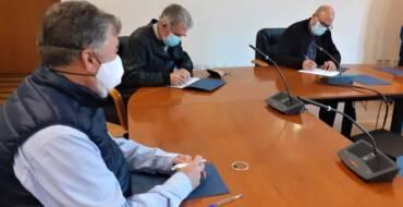 El Ayuntamiento y las asociaciones agrarias ASAJA y ADR cierran acuerdos para la promoción del Camp d'Elx