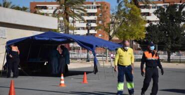 El Ayuntamiento de Elche y Salud Pública instalan una carpa para realizar pruebas PCR con cita previa y descongestionar los centros de salud y el Hospital General