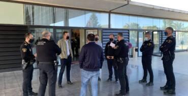 El alcalde de Elche traslada su gratitud a los agentes de la Policía Local por el papel esencial en esta pandemia