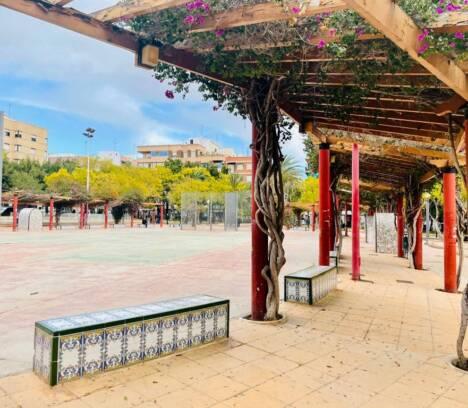 El Ayuntamiento reformará y modernizará el Jardín de Andalucía con una subvención de la Generalitat