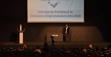 L'Ajuntament d'Elx entrega els 12 premis corresponents a la iniciativa emprenedora de 2020
