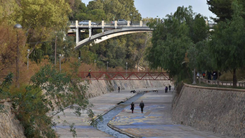 Ajuntament i Conselleria de Medi Ambient treballen per a l'obtenció de fons per a la regeneració del Riu Vinalopó