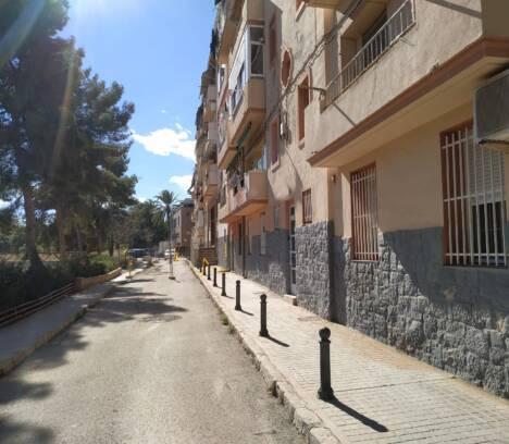 La Junta de Gobierno Local sacará a concurso las obras para estabilizar la ladera del Vinalopó y rehabilitar la calle Muhammad Al Safra