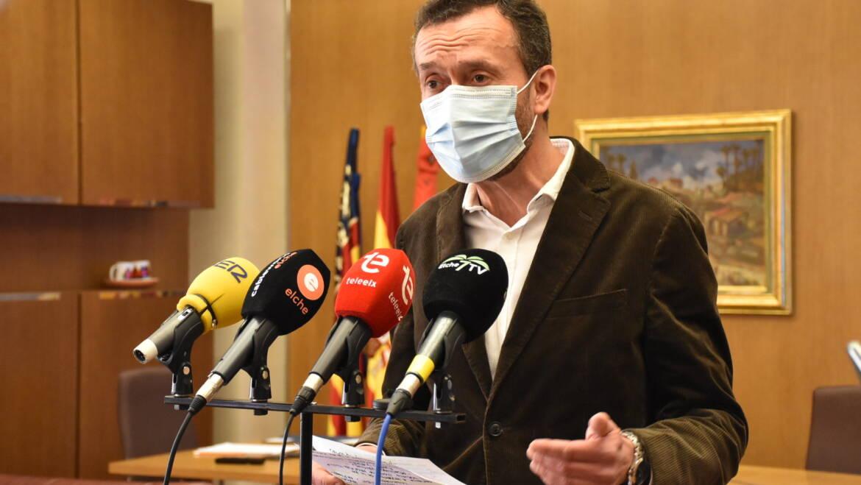 L'alcalde d'Elx demana extremar la prudència i la precaució davant el coronavirus per l'augment de casos positius malgrat l'elevat nombre de persones vacunades