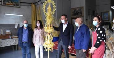 El Ayuntamiento de Elche retoma el envío de palmas blancas para obsequiar al rey, al Papa, y a los presidentes del Gobierno y de la Generalitat