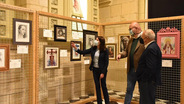 Las Clarisas acoge la exposición benéfica 'Ars et Caritas' con la que se subastan 45 cuadros religiosos de Semana Santa hasta el próximo 4 de abril