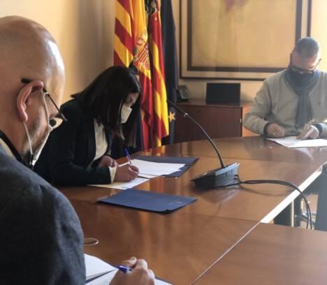 El Ayuntamiento y la Junta Mayor firman un convenio de colaboración por valor de 20.000 euros para realizar actividades de Semana Santa adaptadas a la pandemia