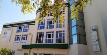 El Ayuntamiento de Elche inicia las obras de sustitución del parquet del Esperanza Lag para renovar la imagen del pabellón