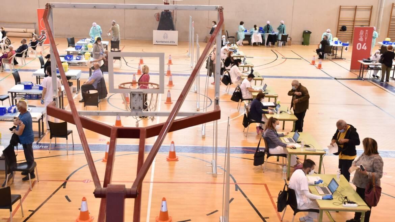 El alcalde de Elche pide máxima cautela en la nueva etapa de lucha contra el coronavirus y anima a acudir a la vacunación