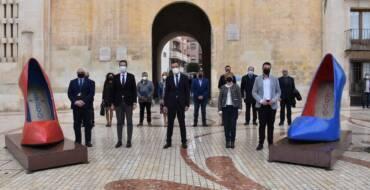 Los principales municipios productores de calzado de España suscriben por unanimidad en Elche una declaración en la que reclaman más apoyo al sector