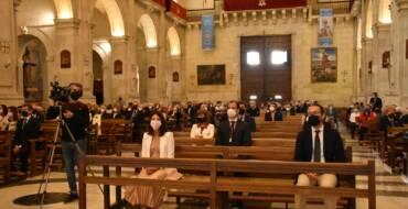 La regidora de Festes dona suport a la Setmana Santa en l'Eucaristia del Diumenge de Resurrecció
