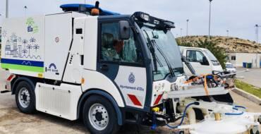 Comienzan a llegar los vehículos del nuevo servicio de limpieza 'Elx Verda i Neta' que prestará la UTE Elche